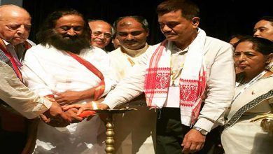 Photo of Sri Sri Ravi Shankar expressed willingness to rehabilitate militants back into Mainstream
