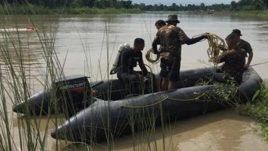 Photo of Assam: Army conducting search for missing family in Dikhow River in Sibsagar