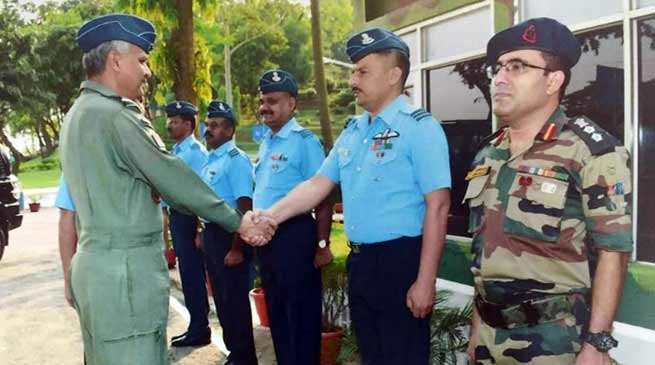 Assam: Air OfficerCommanding-in-chief visits air force station digaru