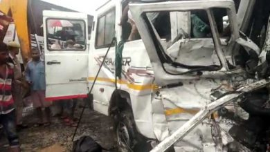 Photo of Assam: 9 Dead,15 Injured In Bus-Traveller Collision In Demow