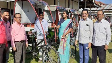 Photo of Assam: Deep bahans distributed to beneficiaries in Hailakandi