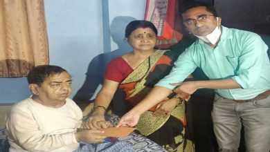 Photo of Assam: CM extends Rs 1 Lakh to Hari Binod Verma for his treatment