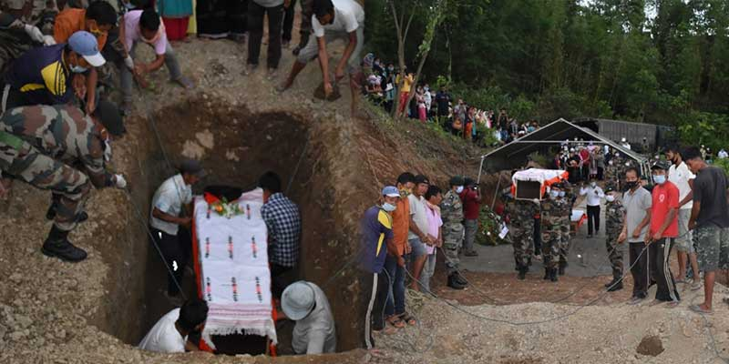 Manipur: Army bids adieu to its martyred soldier in liemakhong