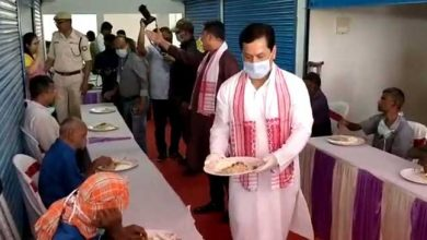 Photo of Assam: CM spend first day of Assamese New Year with homeless people in Dibrugarh